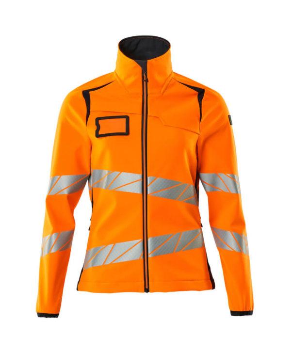Mascot naisten softshell takissa on moderni, vartalonmyötäisempi istuvuus ja runsaasti liikkumisen vapautta